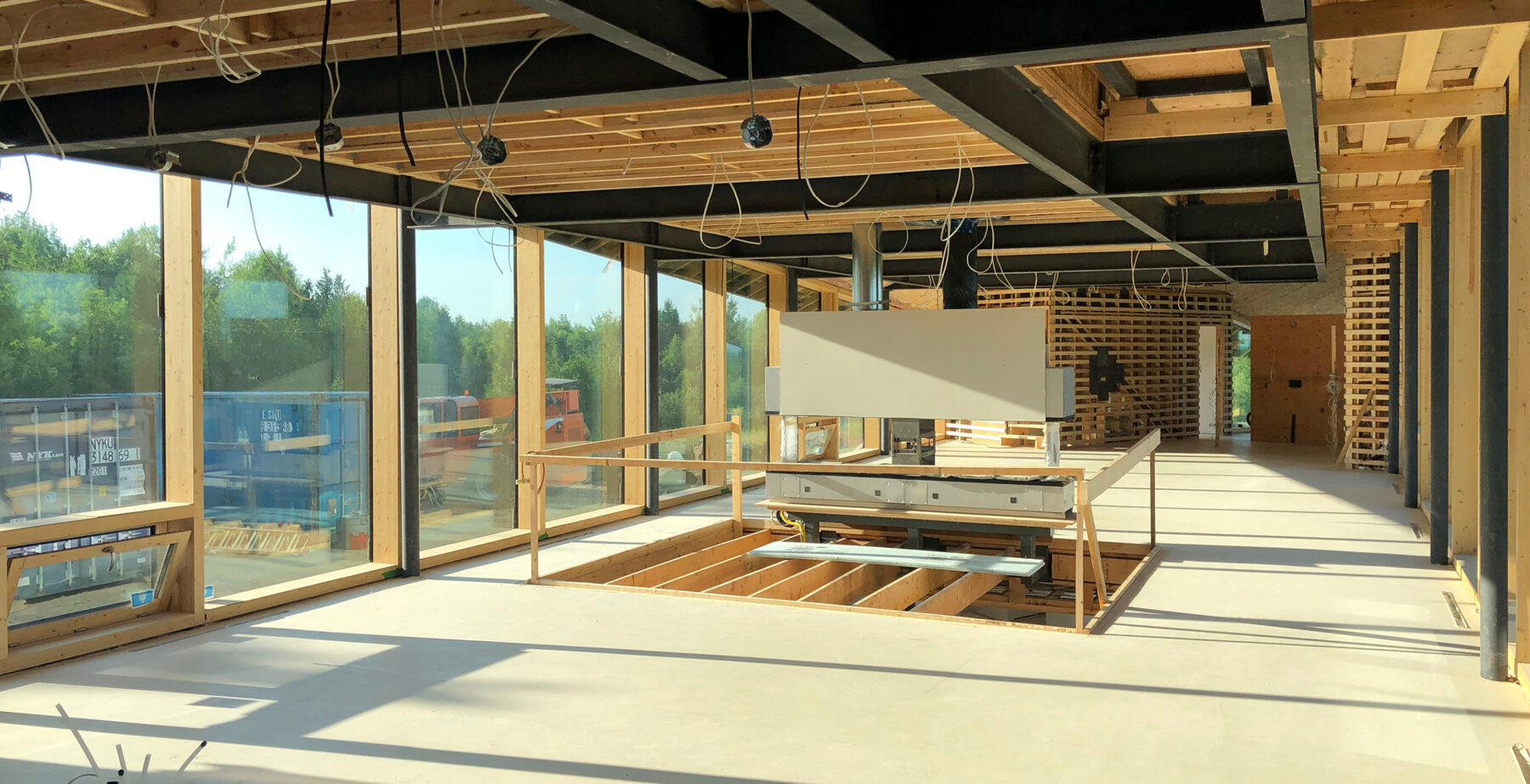 toronto residential architects project Forest Retreat interior structure beams